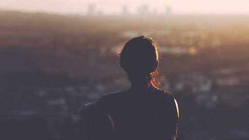 """O amor próprio não é aquela voz que diz """"se cuida"""", ele é o próprio cuidado"""