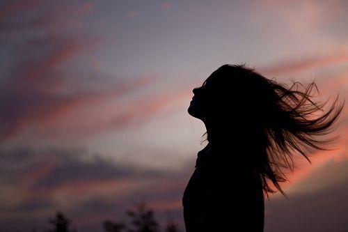 Sou de dar o coração antes do corpo, a alma inteira antes do sorriso