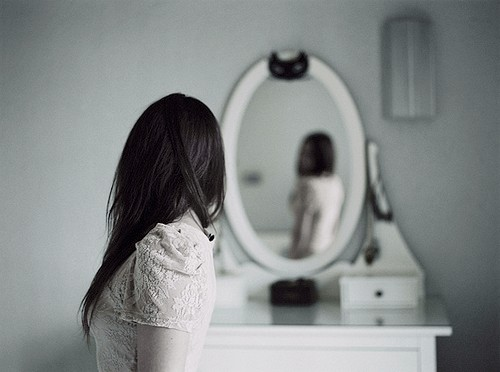 O dia em que ela percebeu-se incrível dentro de suas delicadas imperfeições