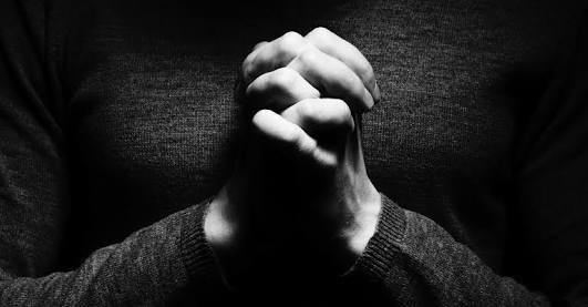 Não desista do amor, você é a resposta da oração de alguém